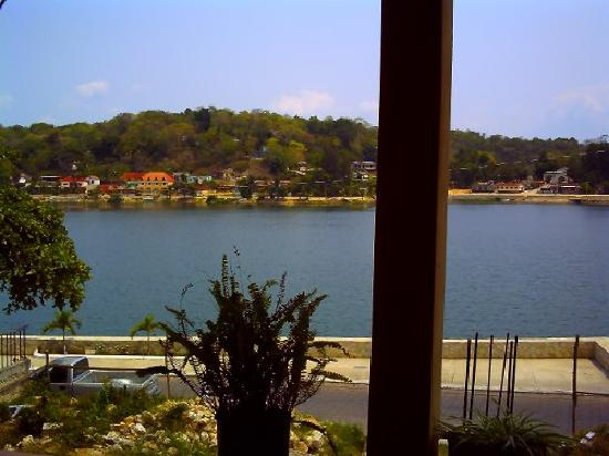 Flores, กัวเตมาลา: This is the view off the patio