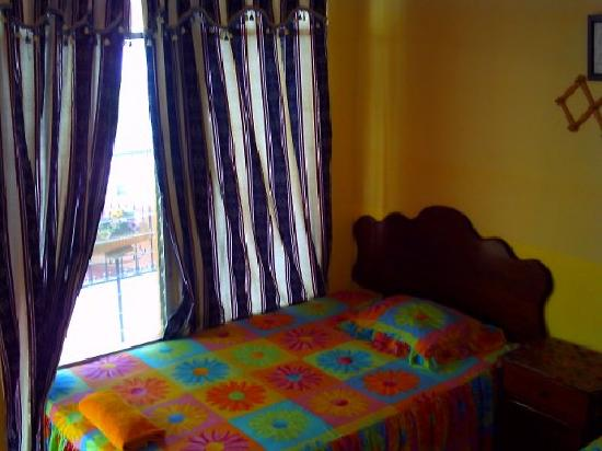 Flores, Guatemala: Here is a room