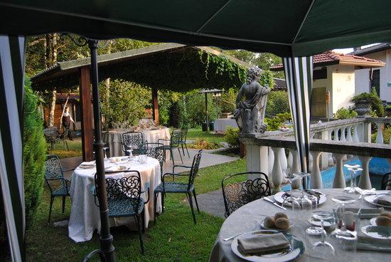Induno Olona, Itália: Dehor estivo
