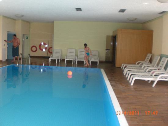 Ronzone, Italien: Das Schwimmbad