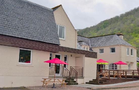 The Glencoe Inn: Side View of Decked area (as per website)