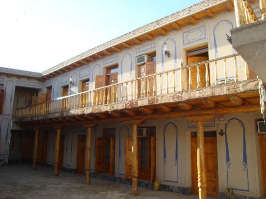 Lyabi-House Hotel: extérieur