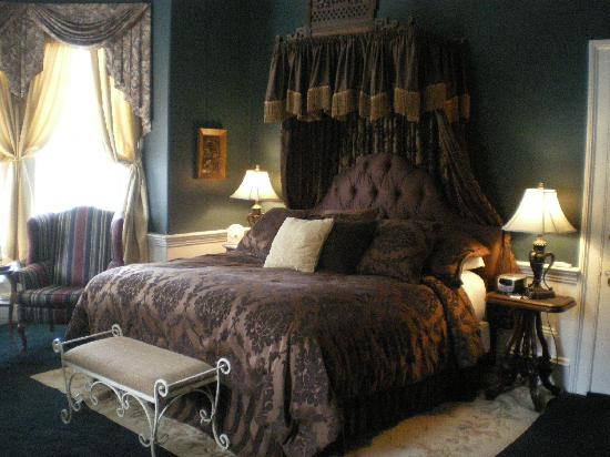The Aerie Bed and Breakfast: Our Ground Floor Bedroom