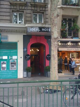 Front of hotel picture of ideal hotel design paris for Ideal design hotel