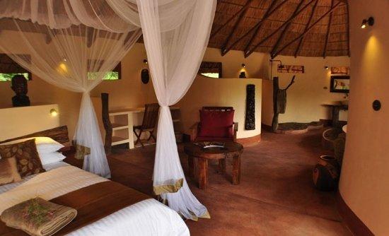 Nkhotakota, Malawi : Luxurious room at Tongole Wilderness Lodge