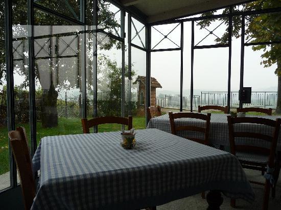 Canale, Itália: la serra per la colazione