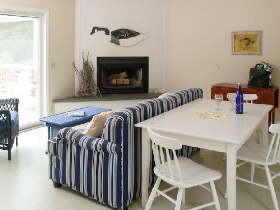 Menemsha Inn and Cottages: Vacation in our Seascape Cottage and enjoy our full kitchen, living room with pullout sofa and p