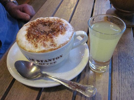 Dall'artista: cappuccino and limoncello