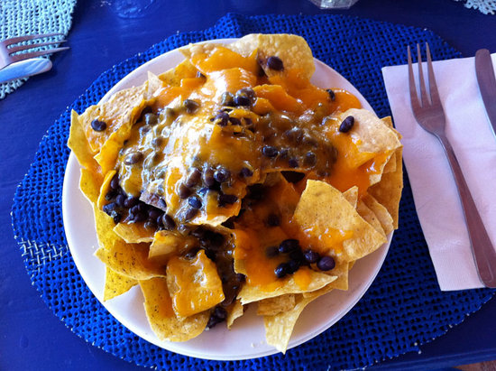 Tamarind Club: Nachos... not bad!