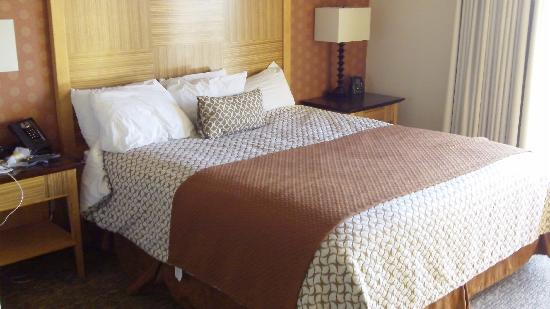 Embassy Suites by Hilton Hotel Los Angeles-Downey: Suite 2