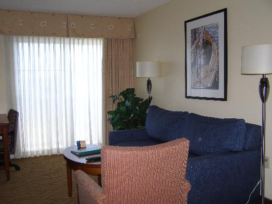 Homewood Suites by Hilton Oakland-Waterfront : living room area