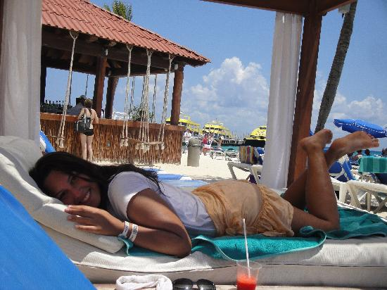 Real Playa del Carmen: Relaxing!!! (beach club of the hotel)