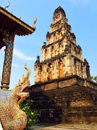 Lamphun, Tailandia: wat Chama Dhevi