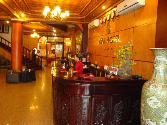 Asia Hotel Hanoi: Réception