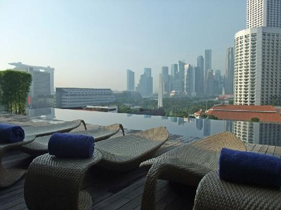 Naumi Hotel: Morning view from the rooftop pool