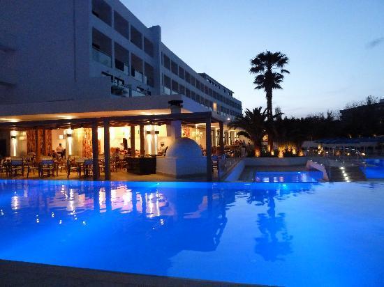 Mitsis Faliraki Beach Hotel & Spa: Pool and themed restaurants at the mitsis faliraki