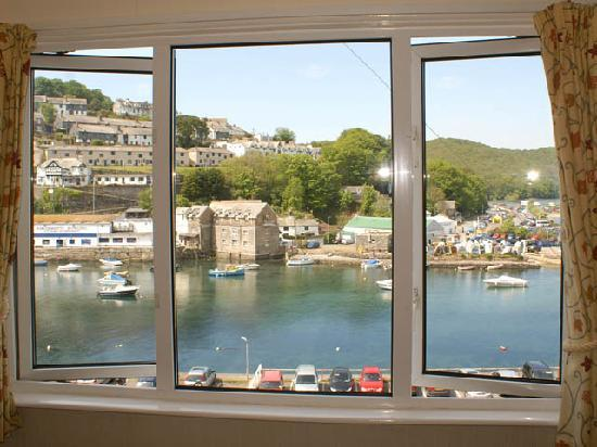 Deganwy Hotel: Most rooms have estuary views