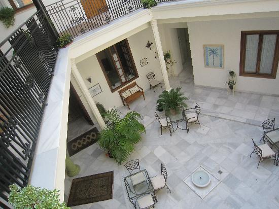 Casa Grande: Central courtyard/breakfast room