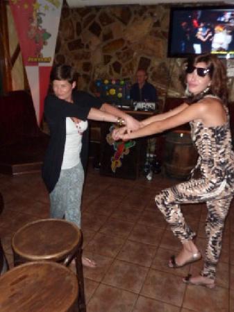 Karaoke Bar Jesters: hahahahaha
