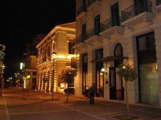 2-Kalamata. Old city