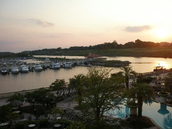 Marina Inn at Grande Dunes: Great sunsets from our room!