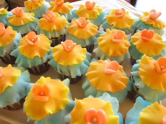 Aloha delicatessen.bakery: Wedding cup cake
