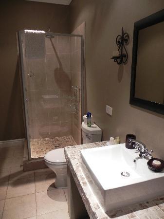Burns Bed & Breakfast : Shower