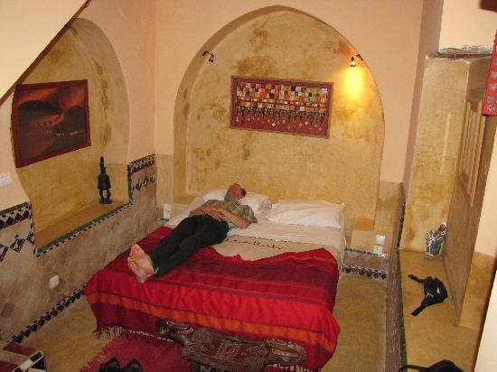 Riad Chorfa: part of ground floor room, relaxing after a day Marrakech