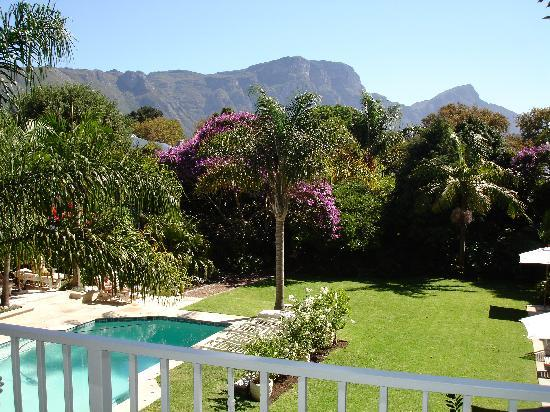 Constantia Valley Lodge: View from balcony