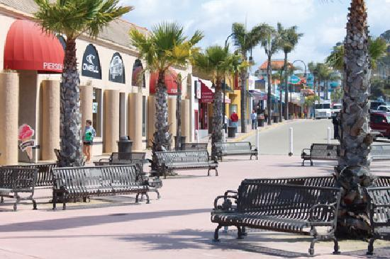 Pismo Beach, CA: Walkable Downtown