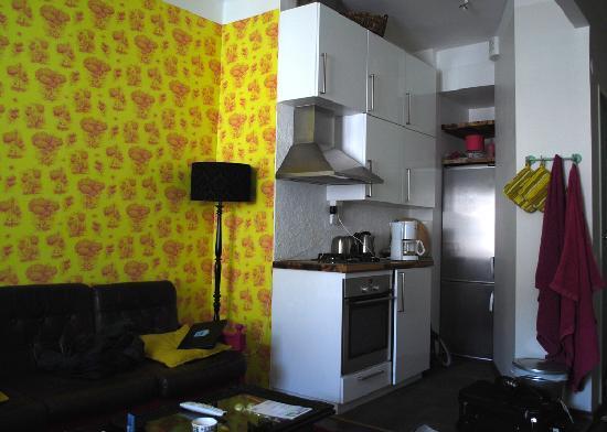 Hotel Room: living & kitchen