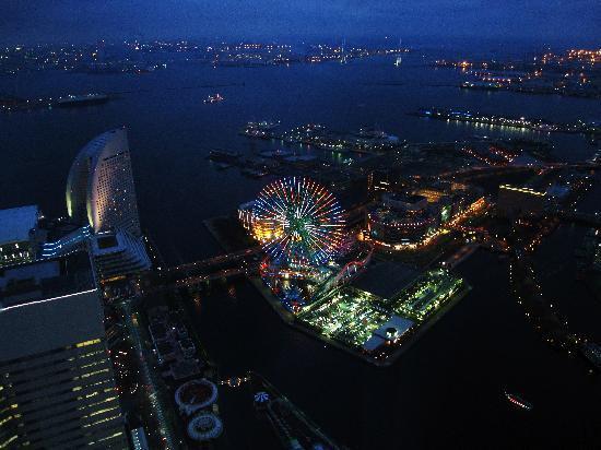 Yokohama Royal Park Hotel: ロイヤルパークホテルからの夜景