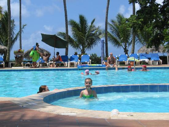 piscine r serv au club diamond picture of grand bahia