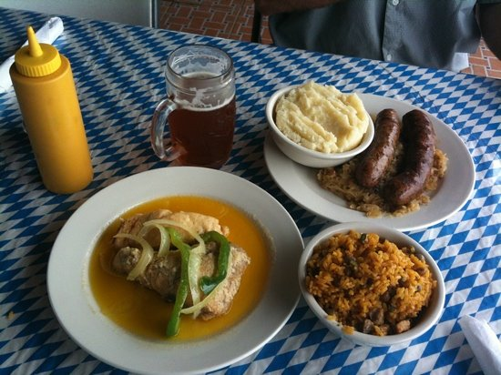 Morovis, Puerto Rico: do ing in the clouds...bratwurst and red snapper. yum!