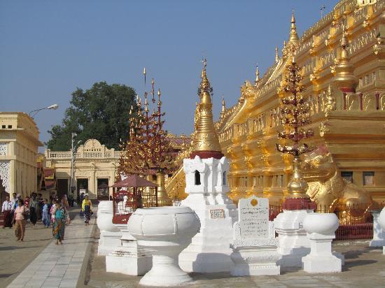 พม่า: another view - shwezigon