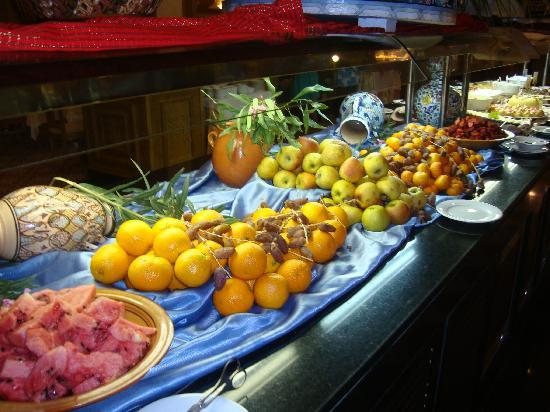 Concorde Hotel Marco Polo: fresh fruit