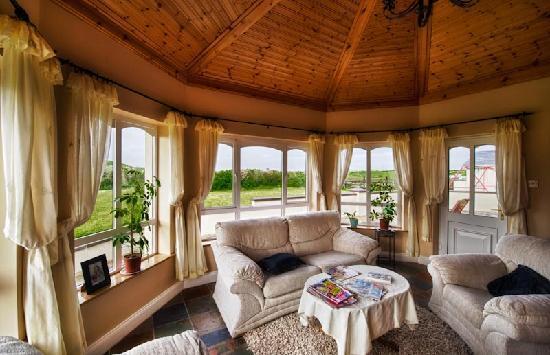 Dunroman House: Cozy & Comfortable