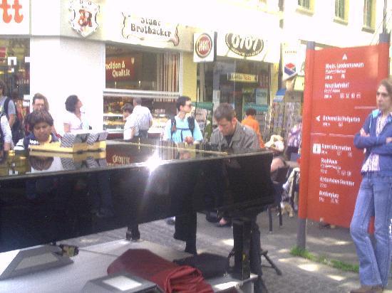 Pizzeria Tuscolo : MUSICA CLASSICA A BONN