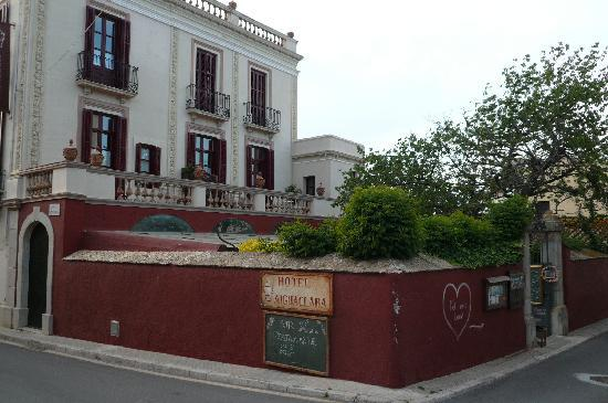 Aiguaclara Hotel: extérieur