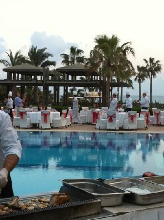 Oleander Hotel : Abendessen am Pool