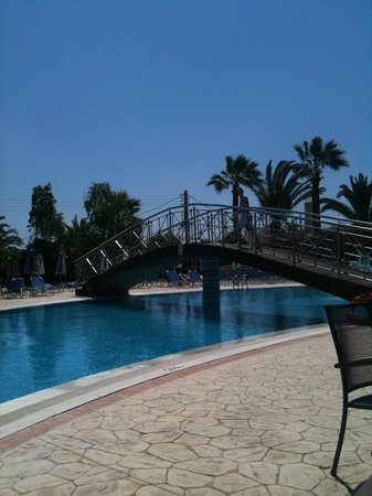 Majestic Spa Hotel : Poolside at the Majestic Spa