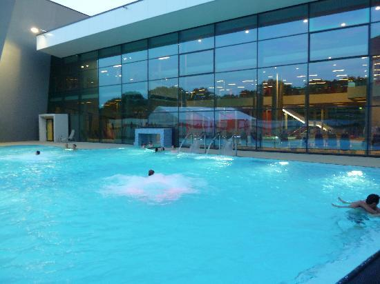 Therme Wien: Thermalbad aussen
