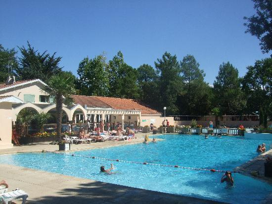 Saint-Jean-de-Monts, France: Le Bois Dormant pool