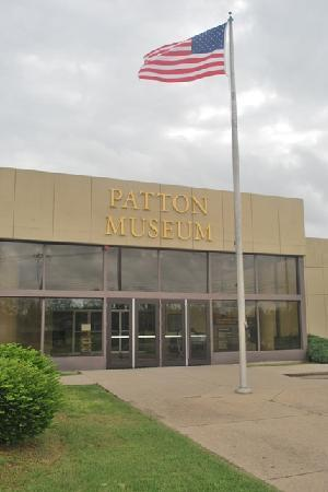 ‪‪Patton Museum of Cavalry and Armor‬: Museum Front‬