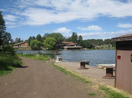 Lake of the Woods Resort : Lake area