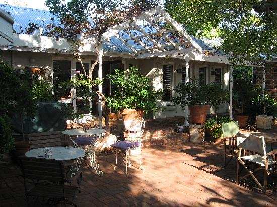 Durack House Bed & Breakfast : From outside