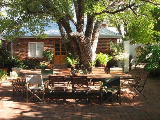 Durack House Bed & Breakfast : The lovely courtyard for drinks at the end of the day