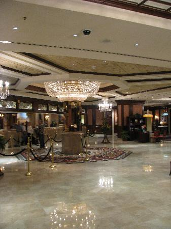 Silver Legacy Resort and Casino: Lobby area.