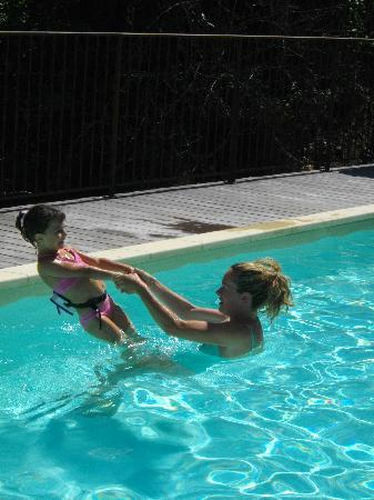 Chateau de Montalegre: piscine
