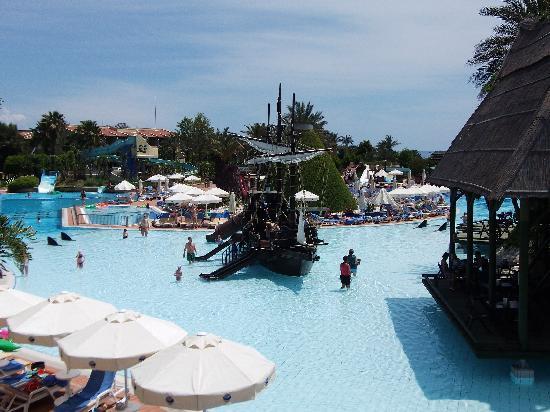 Pegasos World Hotel: I part of pool